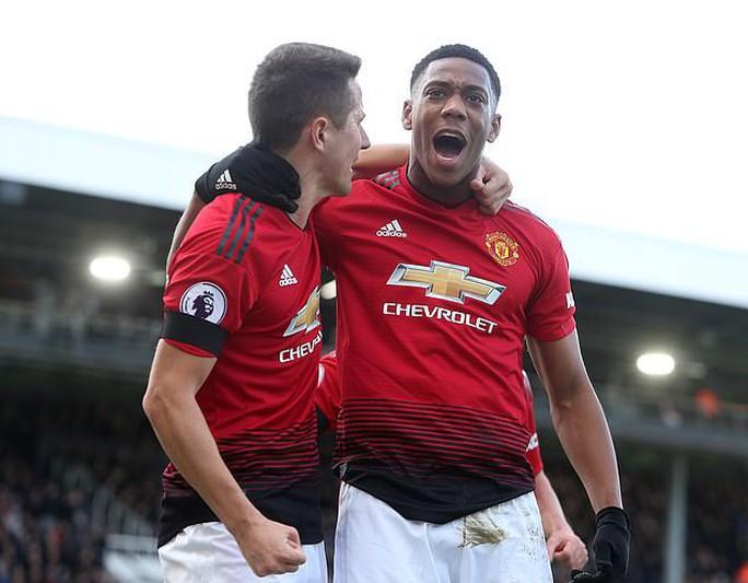 Paul Pogba rực sáng, Man United soán chỗ Chelsea ở Top 4 - Ảnh 5.