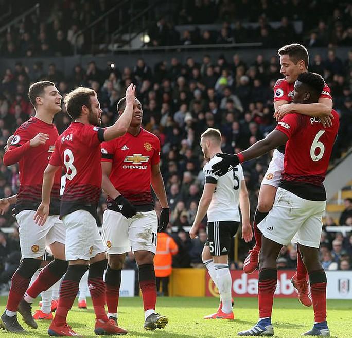 Paul Pogba rực sáng, Man United soán chỗ Chelsea ở Top 4 - Ảnh 7.