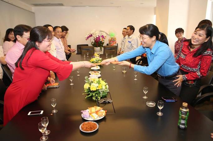 Chủ tịch LĐLĐ TP HCM chúc Tết Báo Người Lao Động - Ảnh 7.