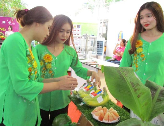Lão nông siêu bán chuối khiến cả hội nghị xuất khẩu nông sản sững sờ - Ảnh 1.