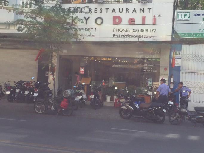 Mùng 7 Tết, nhiều hàng quán ở TP HCM vẫn chưa khai trương - Ảnh 1.