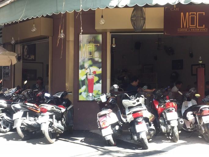 Mùng 7 Tết, nhiều hàng quán ở TP HCM vẫn chưa khai trương - Ảnh 2.