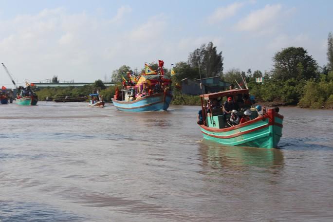 Lễ hội Nghinh Ông ở Bạc Liêu rút kinh nghiệm từ vụ chìm tàu khiến 3 người chết - Ảnh 10.