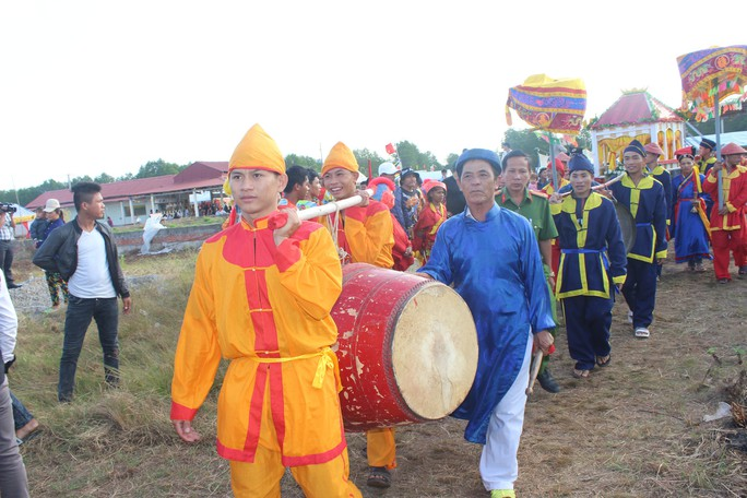 Lễ hội Nghinh Ông ở Bạc Liêu rút kinh nghiệm từ vụ chìm tàu khiến 3 người chết - Ảnh 3.