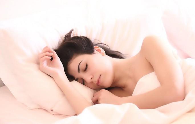 Sự thật tiêu diệt bệnh ung thư bằng ngủ đúng cách? - Ảnh 1.