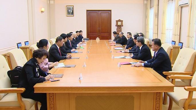 Phó Thủ tướng Phạm Bình Minh hội đàm với Bộ trưởng Ngoại giao Triều Tiên - Ảnh 4.