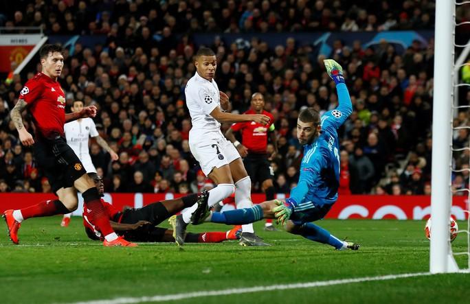 Bi kịch thẻ đỏ Pogba, Man United thua thảm tại Old Trafford - Ảnh 5.
