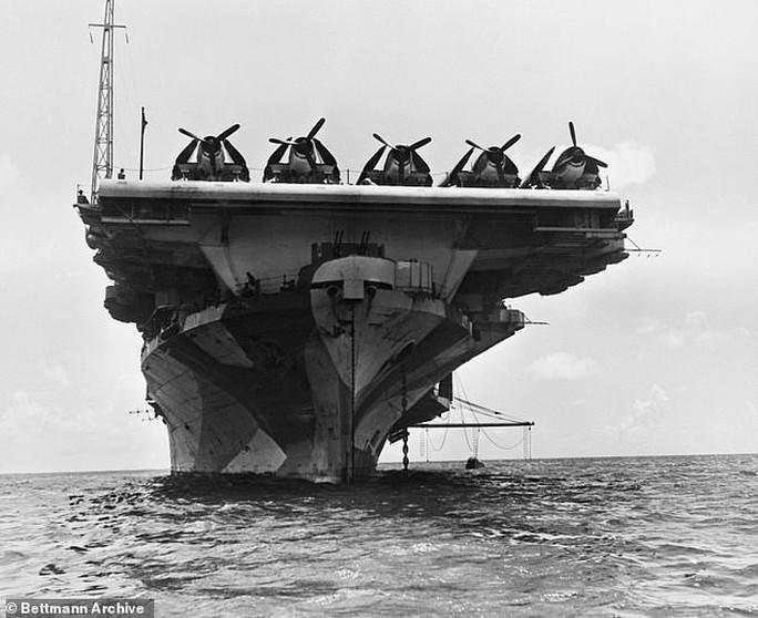 Tìm thấy tàu sân bay Mỹ lừng danh chìm cách đây 77 năm - Ảnh 1.