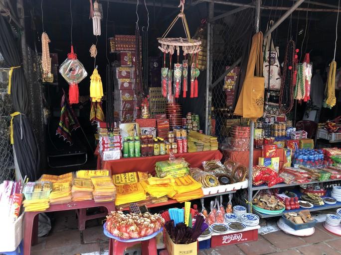 Kiểm tra an toàn thực phẩm tại đền Trần trước lễ khai ấn - Ảnh 11.