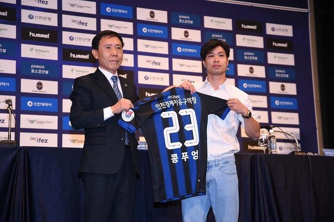HLV Park Hang-seo đến chúc mừng Công Phượng ra mắt CLB Incheon United - Ảnh 6.
