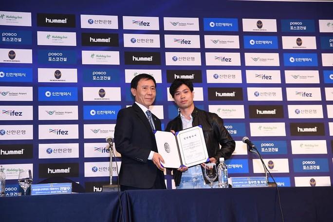 HLV Park Hang-seo đến chúc mừng Công Phượng ra mắt CLB Incheon United - Ảnh 5.