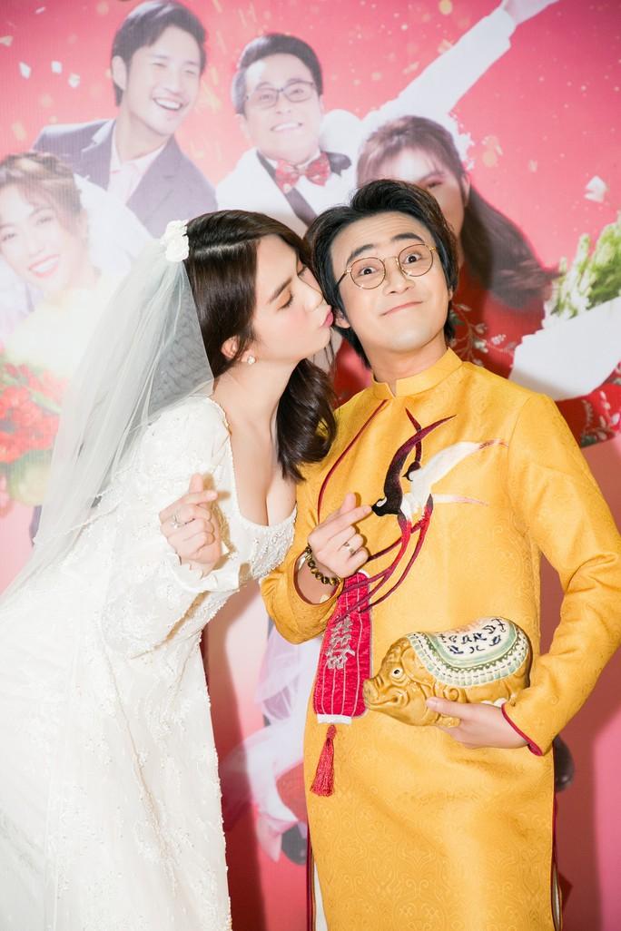 Ngọc Trinh và Diệu Nhi duyên dáng với đầm cô dâu - Ảnh 11.