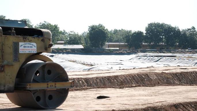 Bộ trưởng Bộ Quốc phòng làm việc tại điểm nóng dioxin sân bay Biên Hòa - Ảnh 3.