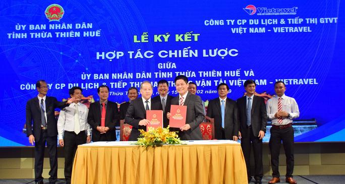 Thừa Thiên – Huế ký kết hợp tác chiến lược với nhiều doanh nghiệp lớn - Ảnh 1.