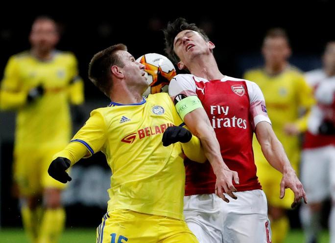 Arsenal thua đau, Chelsea mơ đi tiếp ở Europa League - Ảnh 2.
