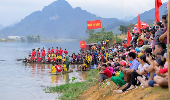 Độc đáo giải đua thuyền giữa lòng hồ thủy điện - Ảnh 3.