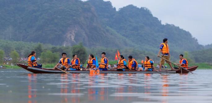 Độc đáo giải đua thuyền giữa lòng hồ thủy điện - Ảnh 7.
