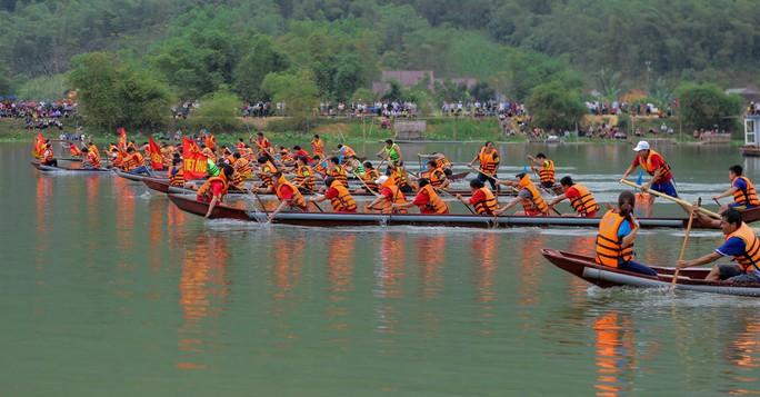 Độc đáo giải đua thuyền giữa lòng hồ thủy điện - Ảnh 8.