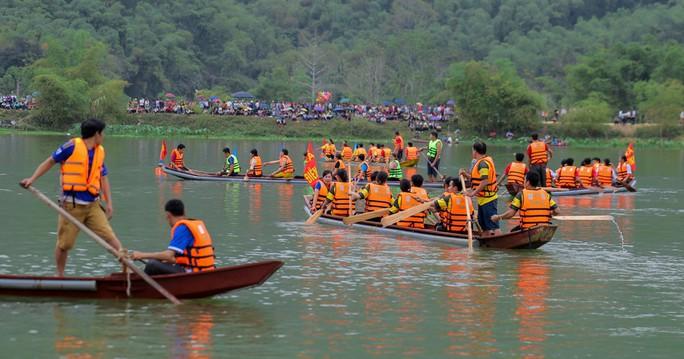 Độc đáo giải đua thuyền giữa lòng hồ thủy điện - Ảnh 9.