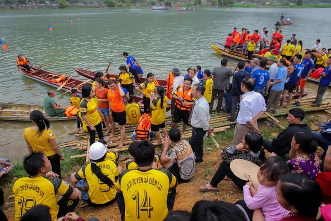 Độc đáo giải đua thuyền giữa lòng hồ thủy điện - Ảnh 10.