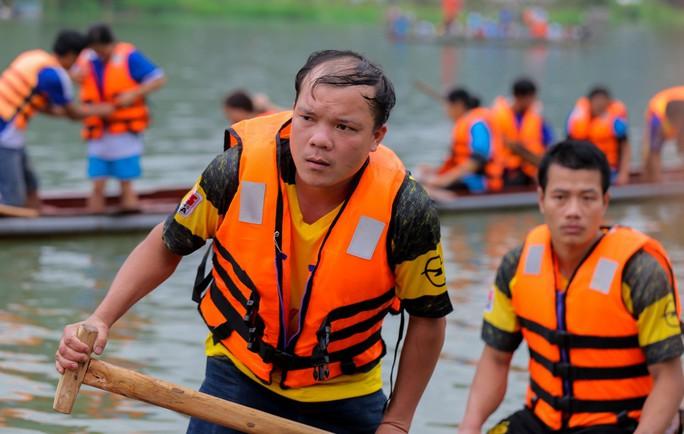 Độc đáo giải đua thuyền giữa lòng hồ thủy điện - Ảnh 11.