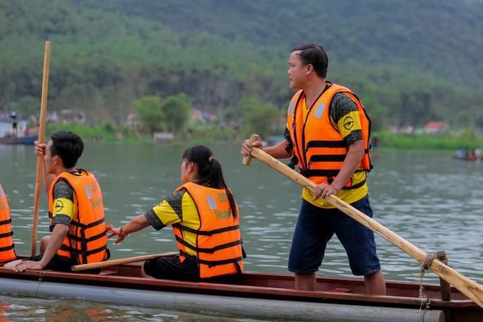 Độc đáo giải đua thuyền giữa lòng hồ thủy điện - Ảnh 14.