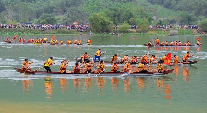 Độc đáo giải đua thuyền giữa lòng hồ thủy điện - Ảnh 15.