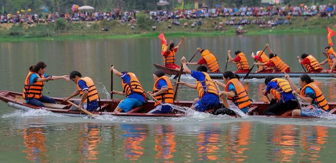 Độc đáo giải đua thuyền giữa lòng hồ thủy điện - Ảnh 16.