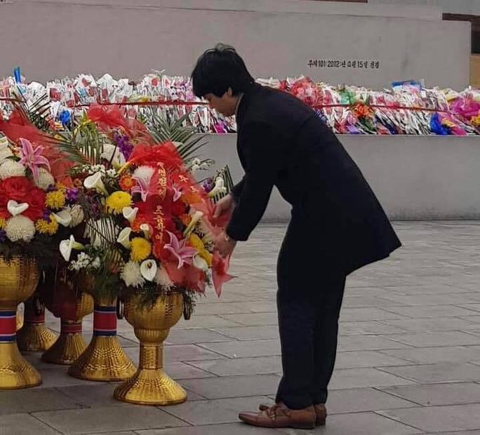 Đại sứ Việt Nam tại Triều Tiên chúc mừng sinh nhật Tổng Bí thư Kim Jong Il - Ảnh 5.