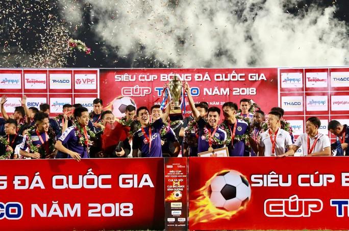 Hà Nội FC dùng đội hình 2 vẫn giành Siêu cúp - Ảnh 1.