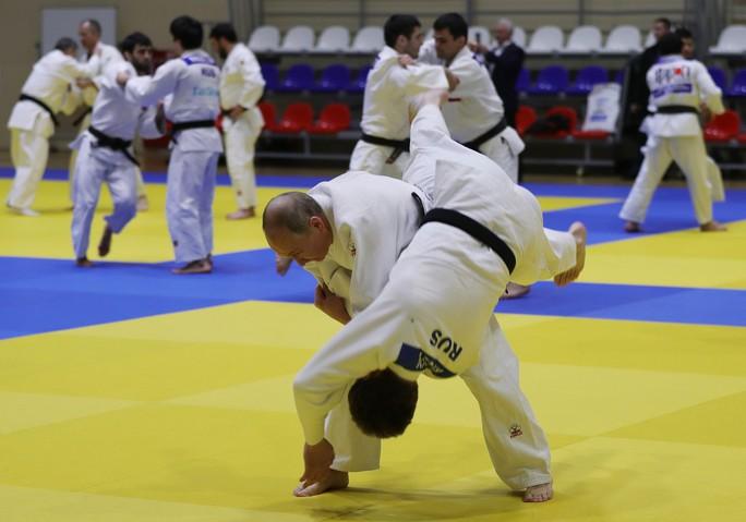 Chân dung nữ võ sĩ Judo hạ đo ván ông Putin  - Ảnh 5.