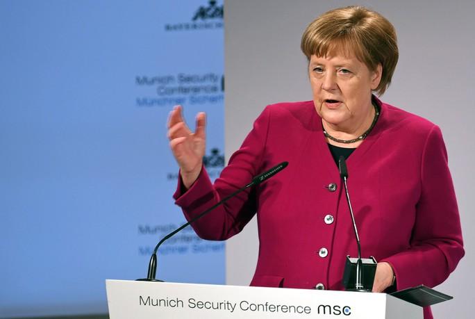 Khoảnh khắc khó xử tại Hội nghị An ninh Munich - Ảnh 2.