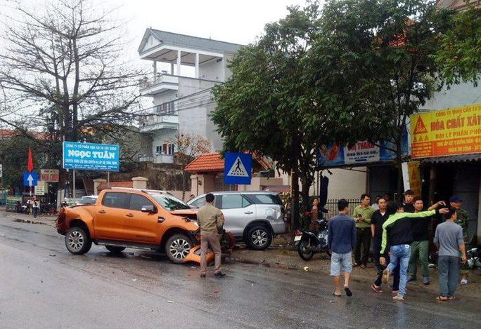 Xe container gây tai nạn liên hoàn nghiêm trọng, 4 người thương vong - Ảnh 4.