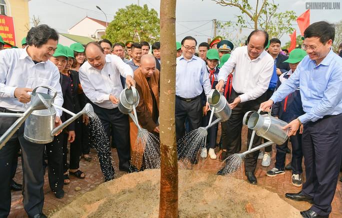 Thủ tướng muốn mỗi gia đình thủ đô trồng 1 cây xanh, hoa cảnh - Ảnh 2.