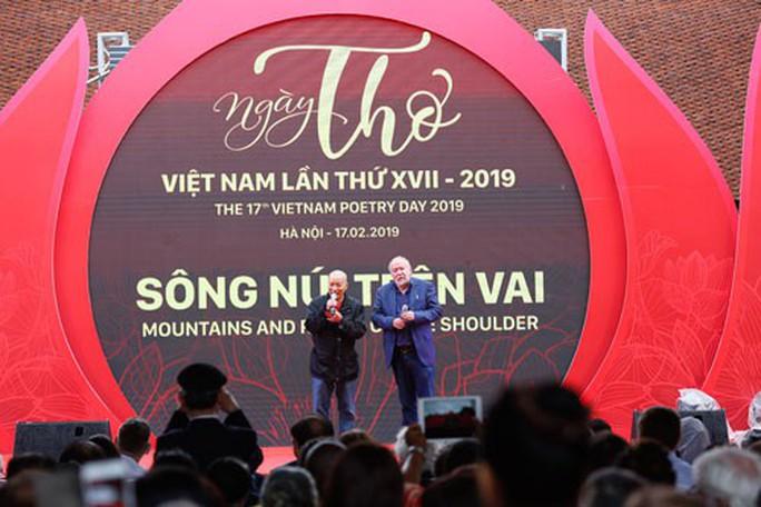 Ngày thơ Việt Nam 2019 - Sông núi trên vai - Ảnh 1.