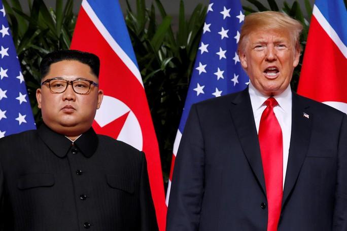 Mỹ tiếp tục mạnh tay với Triều Tiên trước thềm thượng đỉnh - Ảnh 1.