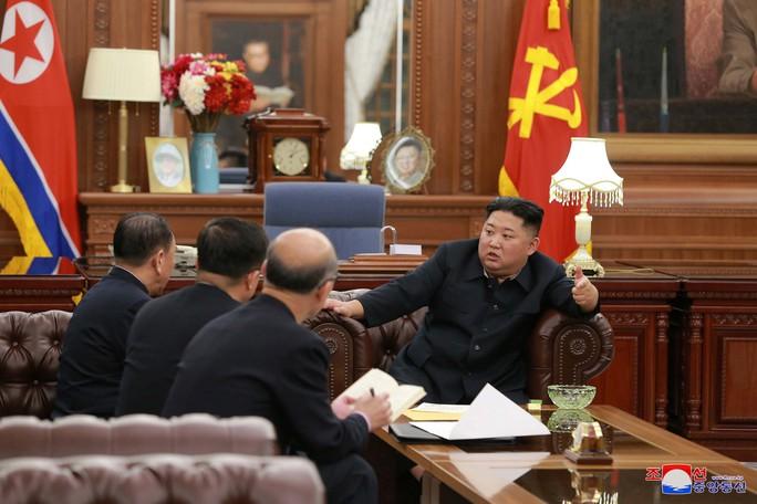 Triều Tiên buộc chặt dây giày để tăng tốc - Ảnh 1.