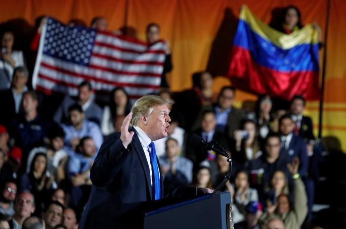 Ông Trump ra tối hậu thư cho quân đội Venezuela - Ảnh 1.