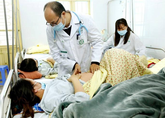 Nữ bệnh nhân 28 tuổi bị biến chứng hiếm gặp sau mắc bệnh sởi - Ảnh 1.