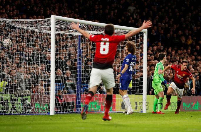 Pogba và Herrera tỏa sáng, Man United thắng đẹp Chelsea - Ảnh 6.