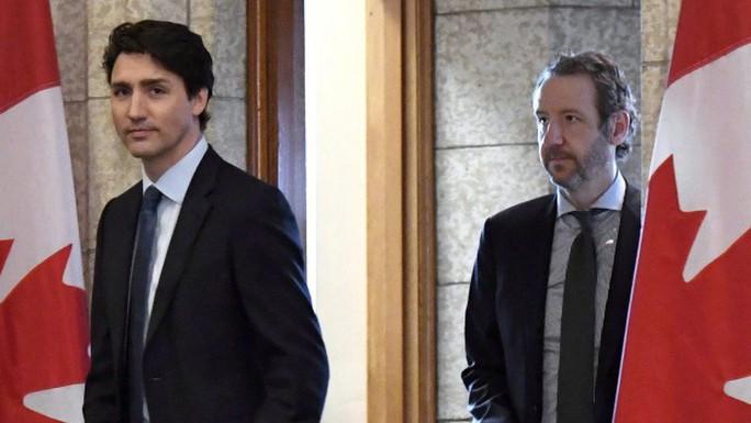 Bạn thân từ chức để bảo vệ thủ tướng Canada giữa bão chính trị? - Ảnh 1.