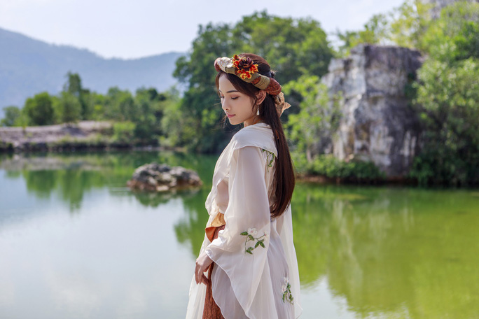 Clip: Dương Khắc Linh tung nhạc phim Trạng Quỳnh do người yêu Sara Lưu hát - Ảnh 5.