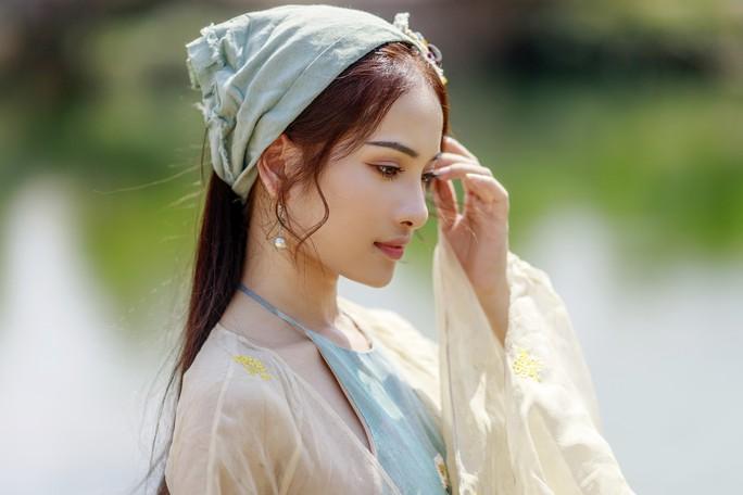 Clip: Dương Khắc Linh tung nhạc phim Trạng Quỳnh do người yêu Sara Lưu hát - Ảnh 4.