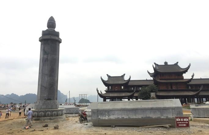Cận cảnh ngôi chùa lớn nhất thế giới ở vịnh Hạ Long trên cạn - Ảnh 12.