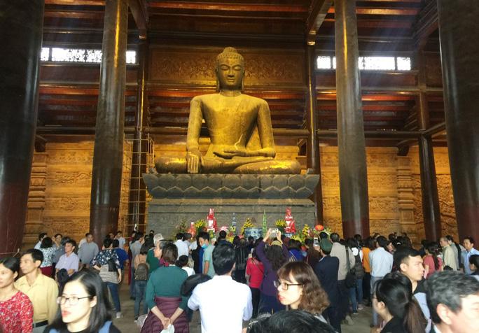 Cận cảnh ngôi chùa lớn nhất thế giới ở vịnh Hạ Long trên cạn - Ảnh 14.
