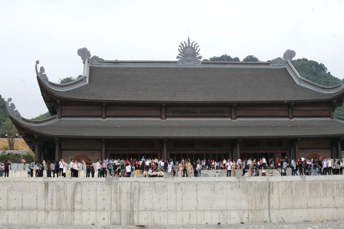 Cận cảnh ngôi chùa lớn nhất thế giới ở vịnh Hạ Long trên cạn - Ảnh 7.