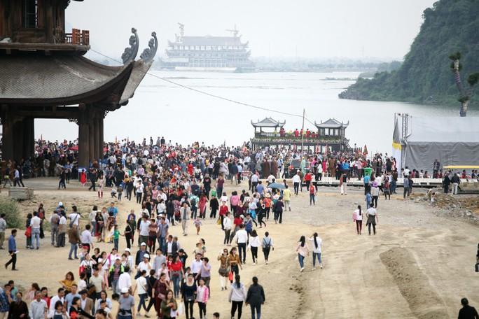 Cận cảnh ngôi chùa lớn nhất thế giới ở vịnh Hạ Long trên cạn - Ảnh 10.