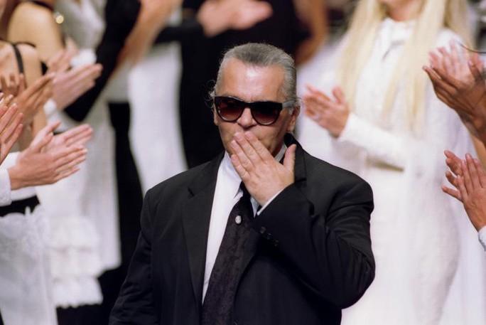 Những khoảnh khắc đáng nhớ của bố già thời trang Karl Lagerfeld - Ảnh 4.