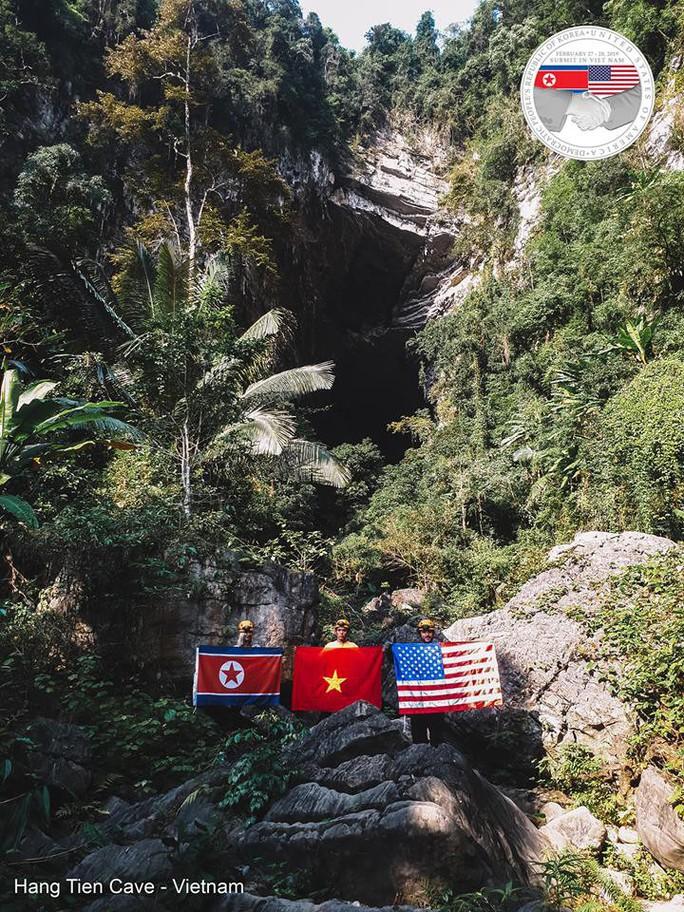 Rực rỡ quốc kỳ Việt Nam - Mỹ - Triều Tiên tại hang động lớn nhất thế giới - Ảnh 10.
