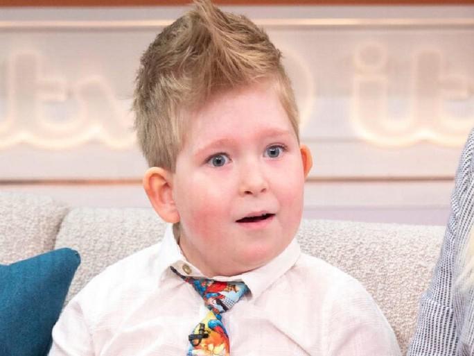 Kỳ diệu cậu bé sinh ra không não vẫn sống khỏe mạnh - Ảnh 1.
